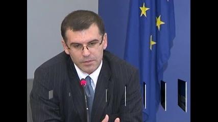 Финансовият министър ще отговаря за подготовката и провеждането на референдума