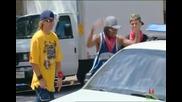 Скрита камера:малък генгста лидер освождава свойте хора