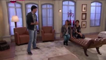Първата дама, епизод 85, 2011/2012