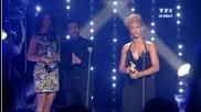 Риана Печели Награда За Изпълнителка на Годината @ N R J Music Awards 2010