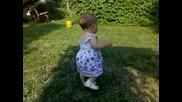 Ванеса ходи смело на 8 месеца и половина