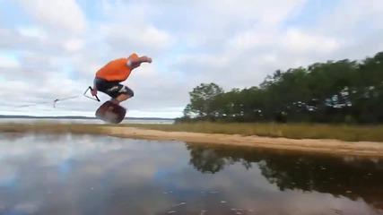 Изумително водно сърфиране