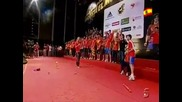 Рейна представя играчите пред испанската публика