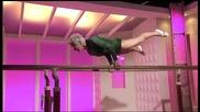 86 годишна гимнастичка има невероятни умения и сила