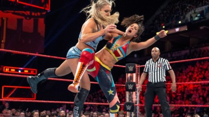 Bayley vs. Charlotte Flair - Raw Women's Title Match: WWE Fastlane 2017 (Full Match - WWE Network Exclusive)
