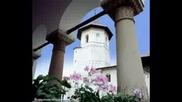 Манастири В Румъния