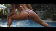 Секси маце яко клати дупенце във вода ( dance Twerker)
