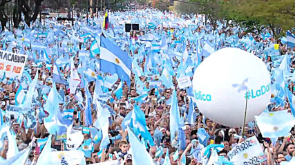 Argentina: Macri tells supporters not to fall for 'empty promises' at massive rally