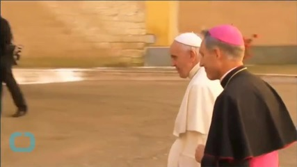 Pope Francis Welcomes Raul Castro to Vatican