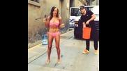 Karina Smirnoff - Поредно ледено предизвикателство с готина мацка