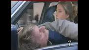 10 неща които не трябва да се правят когато се возите в кола !!!