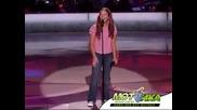 Надарено момиче пее като каубой! :д