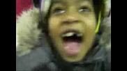 Дете Се Смее Като Изрод