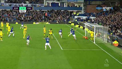 Евертън с гол в последните минути срещу Кристъл Палас