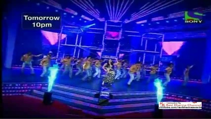 Kareena Kapoor Dance Performance In 56 Filmfare 2011