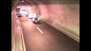 Най - ужасната катастрофа в тунел. Тир помита всичко