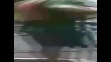 инцидент по време на рибол , удар под кръстта