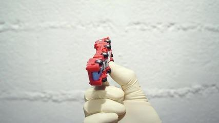 Краля на играчките !!