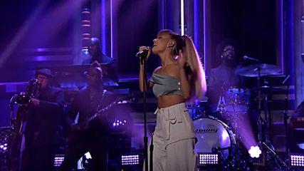 * Живо Изпълнение * Ariana Grande - Side To Side (В