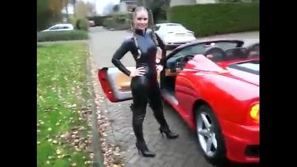 Rubbella met Latex Catsuit in haar Ferrari 360 Spider