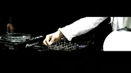 Imran Khan - Ni Nachleh feat Lucky