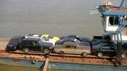 Китайци товарят абсурдно рисковано луксозни коли на кораб