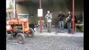Забавен музикален трактор