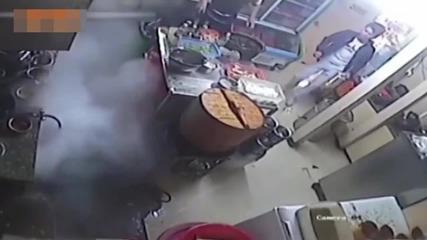 Eто защо не трябва да ползвате телефона си в кухнята