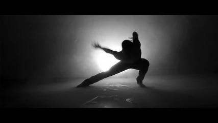 Прекрасен кавър! Sia - Chandelier (cover by Leroy Sanchez)