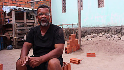 Brazilian BRICKLAYER DAD defies stereotypes by dancing ballet