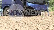 Катастрофа с автобус, 10 души са откарани в болница