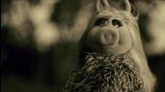 "The Muppets Promo - Miss Piggy Covers Adele's "" Hello"" [ Мъпетите]"