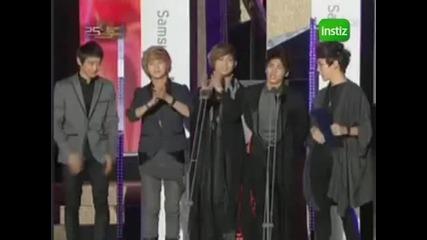 Shinee Wins at 25th Golden Disk Awards