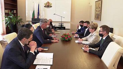 Премиерът се срещна и с руския посланик у нас