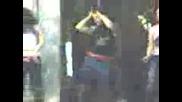 Пияни Момичета Танцуват По Коли
