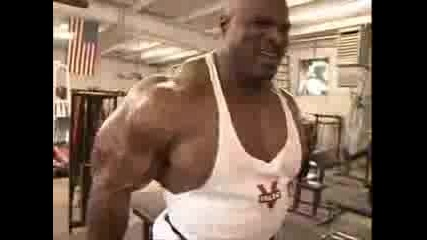 Ronnie Coleman Тренира Бицепс