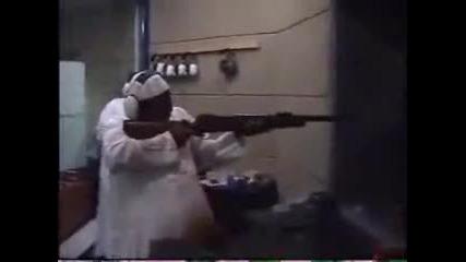 Кофти стрелба с пушка