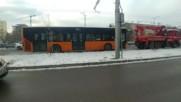 """Автобус се запали на бул. """"Цариградско шосе"""" в София"""