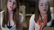 Две момичета пеят The Climb by Miley Cyrus