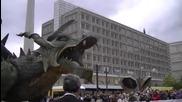 Най-големият ходещ робот огнен дракон в света