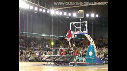 Невероятни баскетбол забивки