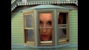 Gwen Stefani And Britney Spears - Tick - Toxic- Много Готина Песен