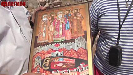 Божидар Димитров подари икона на храма на Русокастро