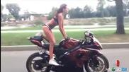 момиче показва невероятни умения на мотор
