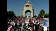Хиляди мексиканци се включиха в масов сеанс по йога