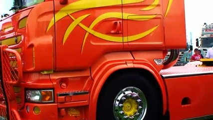 Cool Scaniav8 on the Truckmeeting