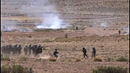 Bolivia: Miners and police clash near La Paz