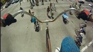 Да караш велосипед на 4,5 метра над земята!