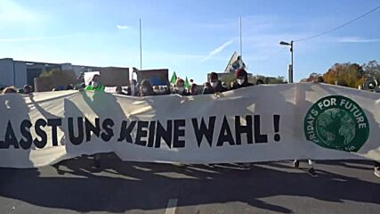 Germany: Berliners march to pressure future govt coalition for social justice and climate protection