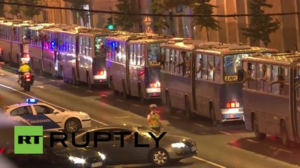 Hungary: Convoy of buses leaves Budapest filled with Austria-bound refugees